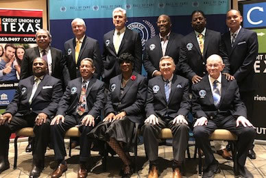 Packed house celebrates inductees into Dallas ISD Athletic HOF