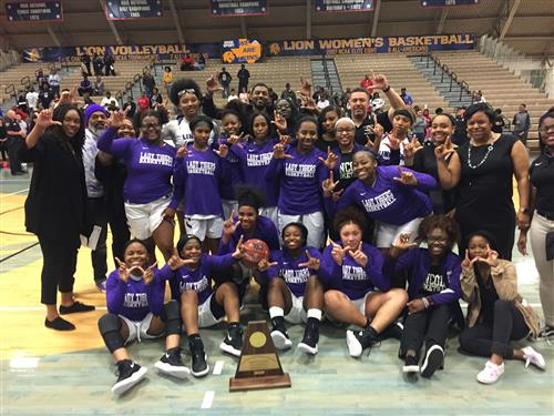 Lincoln Lady Tigers Headed to the UIL State Basketball Tournament / Ticket Information