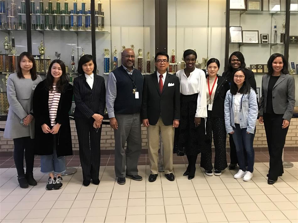 Representatives from the Education Division of the Taipei Economic and Cultural Office in Houston visit BOMLA